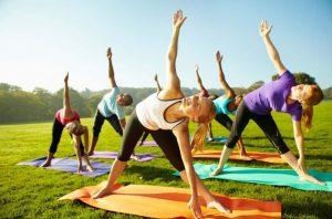 foto outdoor yoga